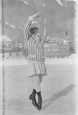 Sonja Henie na Igrzyskach w Chamonix w roku 1924, najmłodsza w historii olimpijka