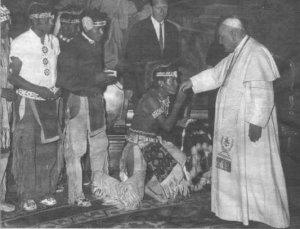 Apacze składają pokłon Janowi XXIII, 1961