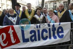 Podczas manifestacji w obronie laickości, na zdjęciu m.in. Wielki Mistrz Jean-Miechel Quillardet